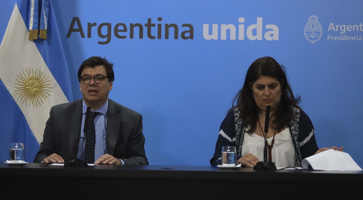 Fernández licencia a estatales que formen parte del grupo de riesgo, embarazadas y padres de hijos en edad escolar