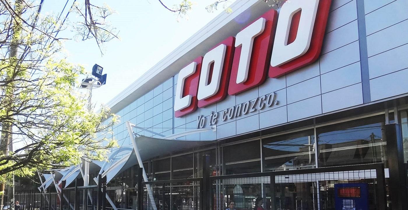 Denuncian que Coto incumple las medidas de seguridad y deja sin protección a empleados y clientes