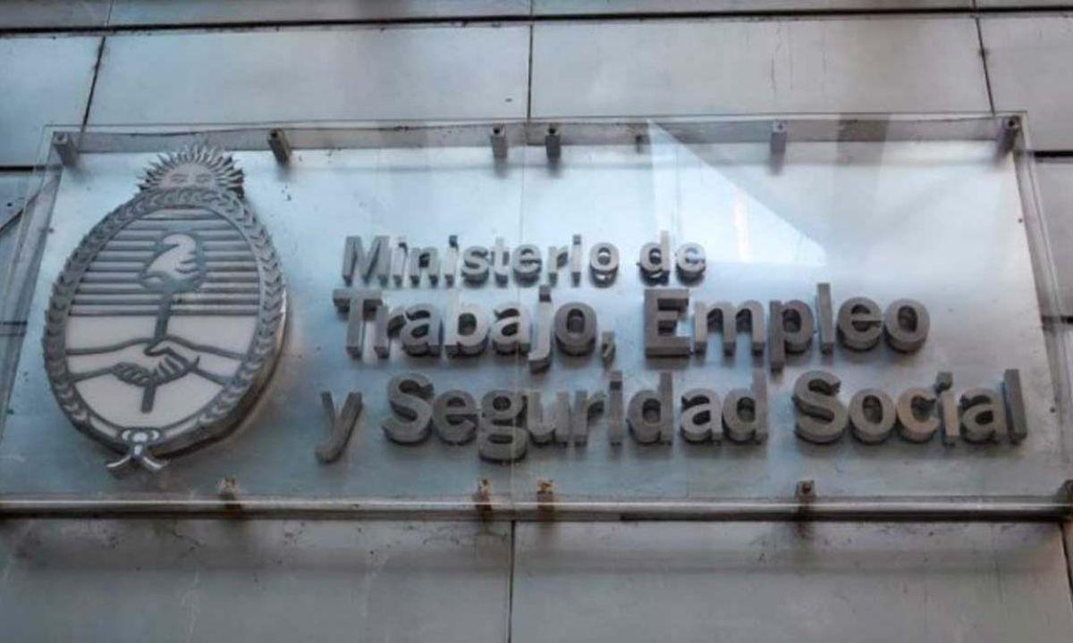 Trabajo anunció que se prorrogan hasta el 31 de mayo las prestaciones por desempleo