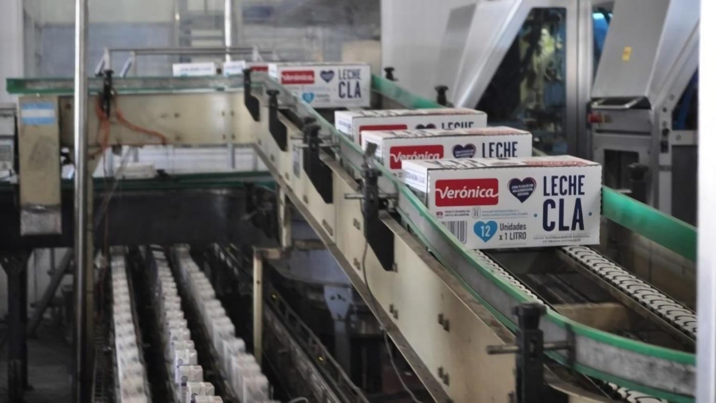 Con ganancias millonarias, la empresa láctea Verónica paga sueldos en 4 cuotas