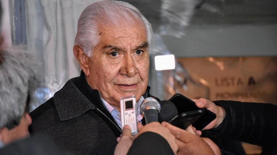 Pereyra también apura suspensiones con salarios mínimos para campear la crisis