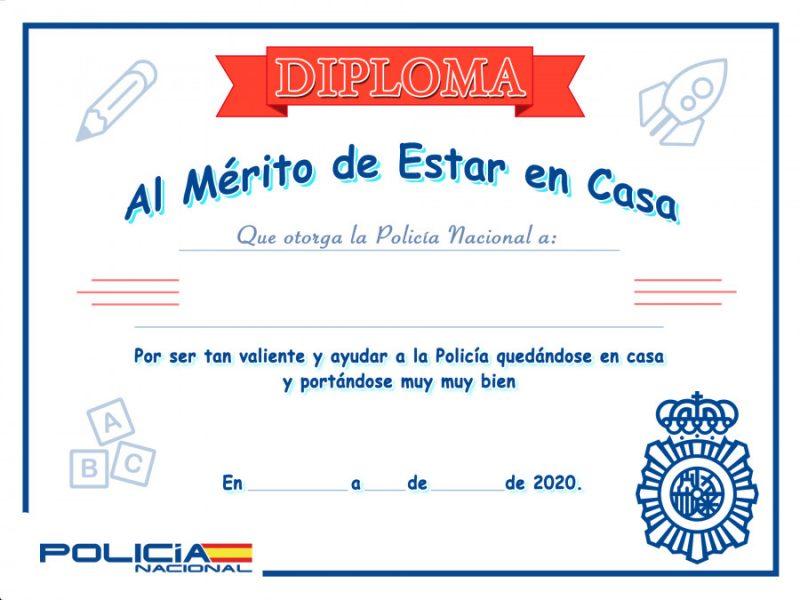 La Policía Nacional entrega un diploma a los niños por su buen comportamiento en la cuarentena, además de 600.000 sanciones a sus progenitores