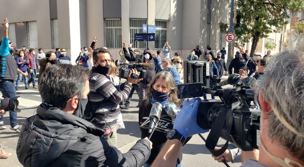 Beatriz Biolatto habla con periodistas. (José Hernández)