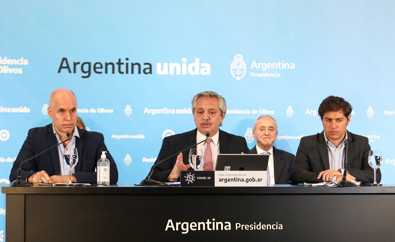 Fernández confirmó que se extenderá la prohibición de despidos