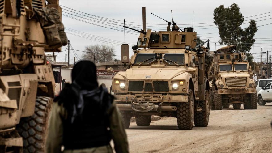 EEUU envía otro gran convoy militar a zona petrolera siria | HISPANTV