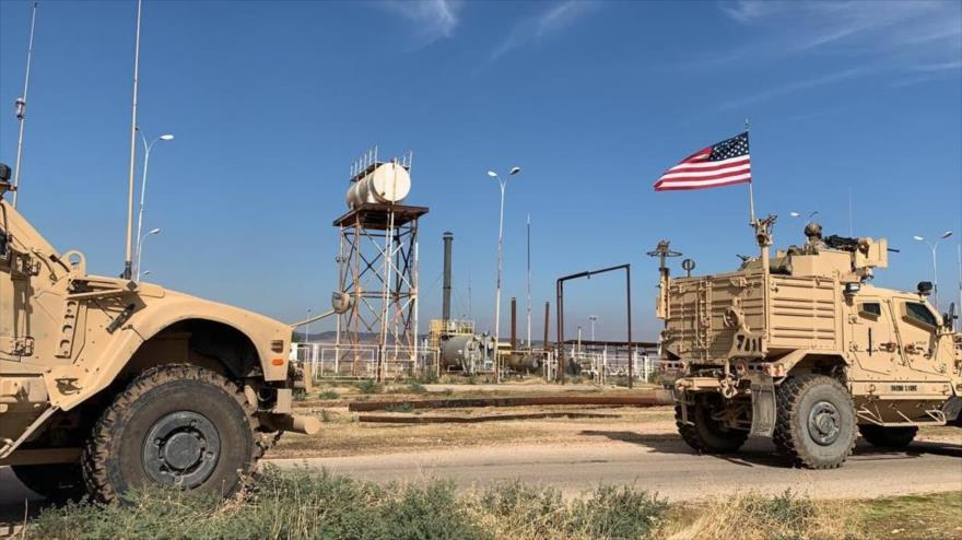 Fotos y Vídeo: Fuerzas de EEUU en campos petrolíferos de Siria   HISPANTV