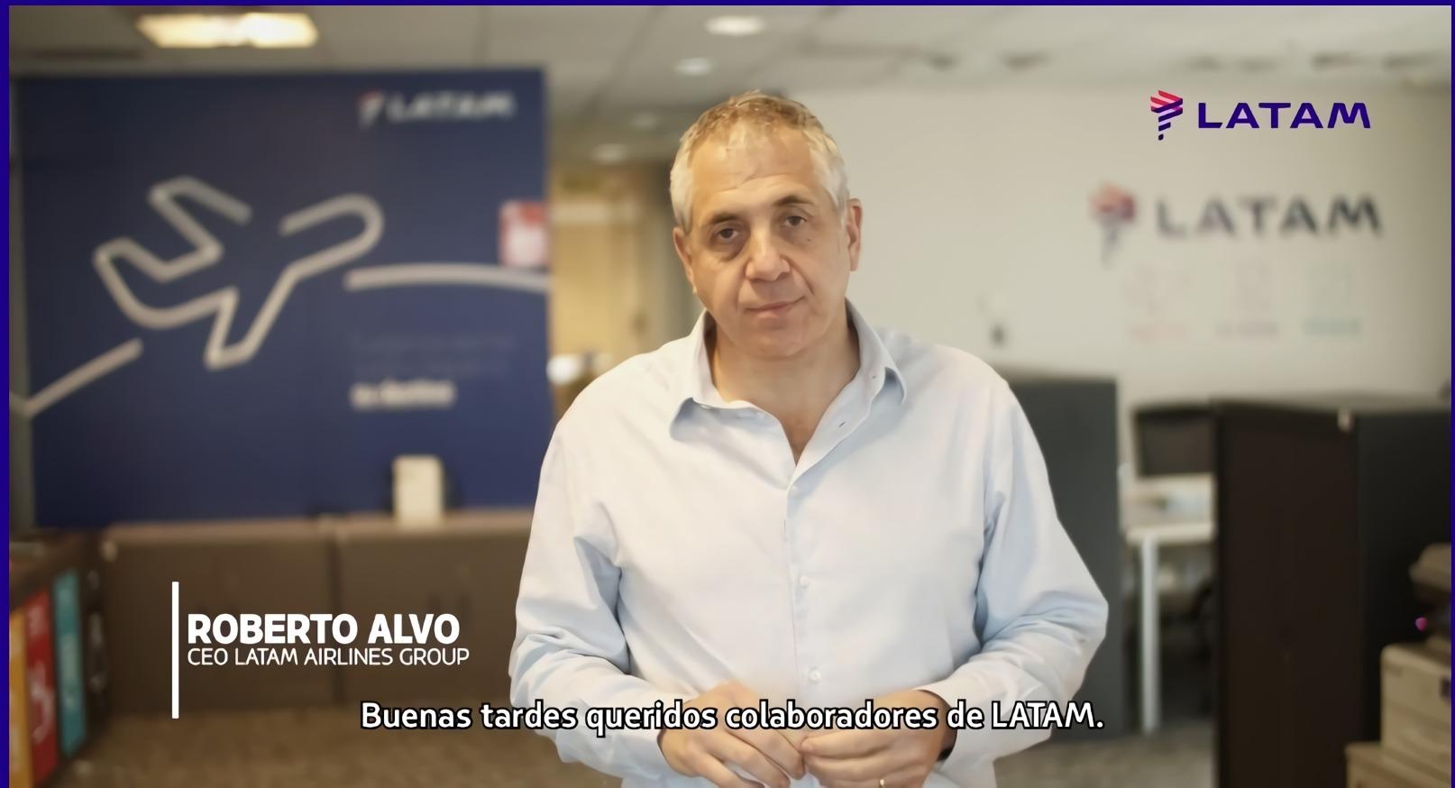 """Tras abrir retiros """"voluntarios"""", con un video Latam anuncia 1.400 despidos en medio de la pandemia"""