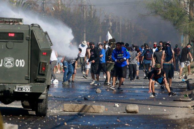 Cientos de pobladores protestan levantando barricadas – La otra Andalucía
