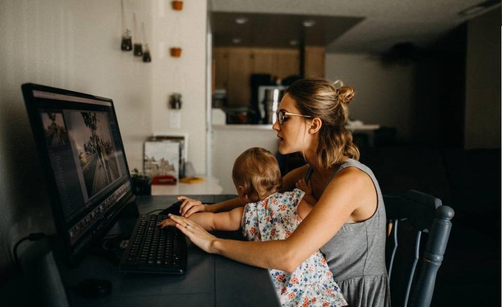 Casi la mitad de las trabajadoras porteñas no tiene con quien dejar a sus hijos si se levanta la cuarentena