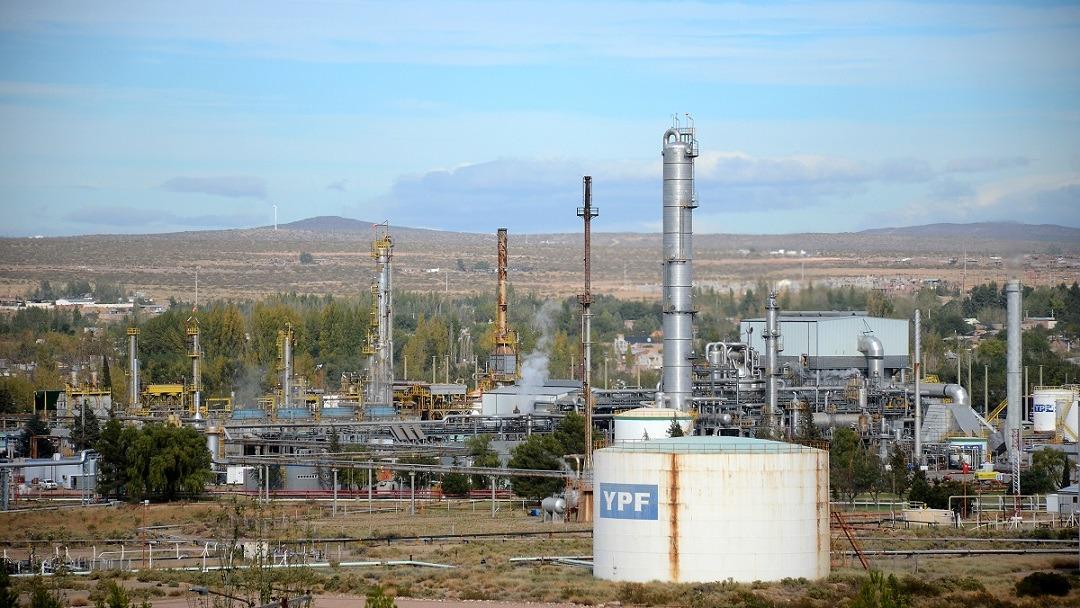 Alarma en Petroleros por temor a perder 3 mil empleos en refinerías