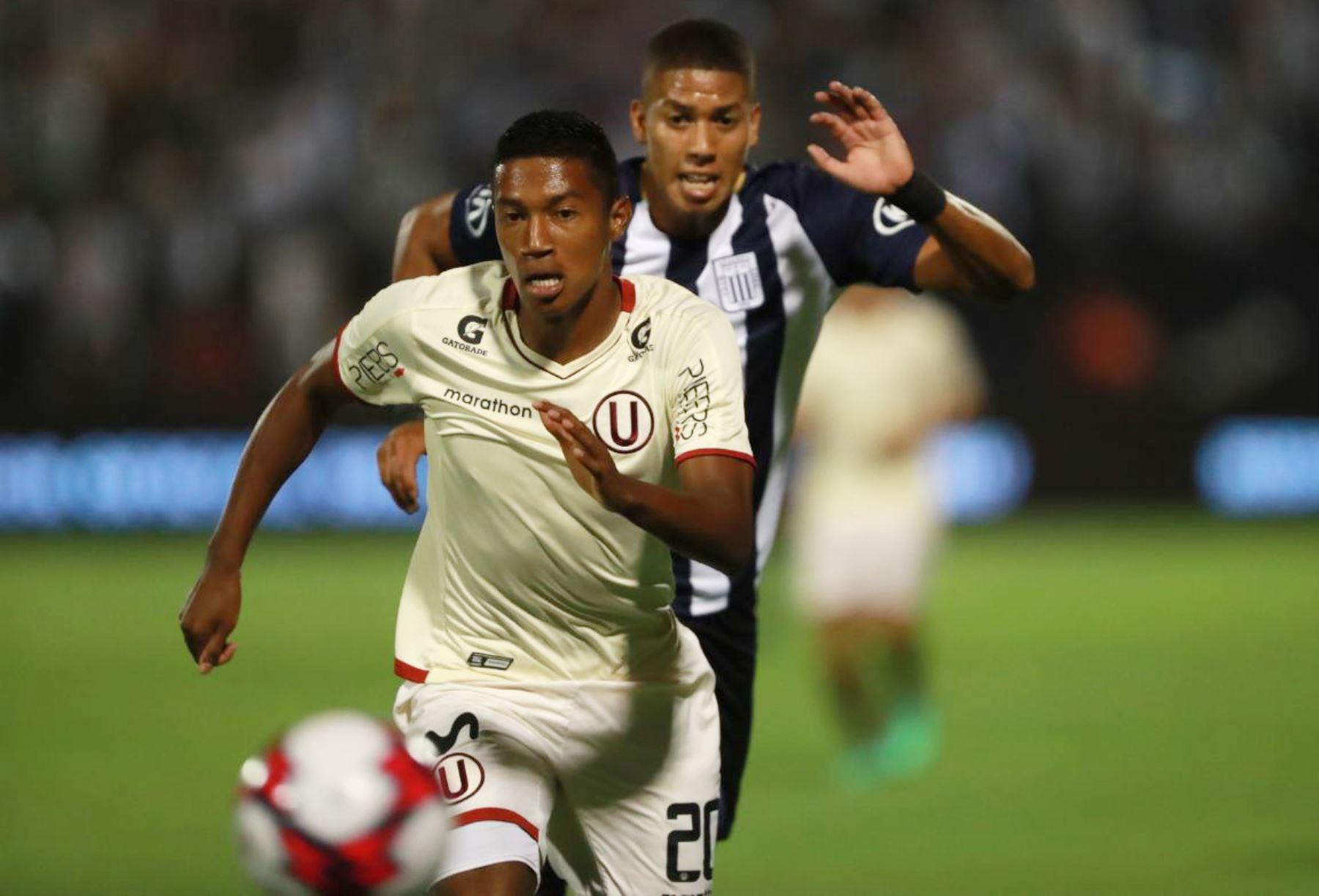 Foto: Gobierno autorizó el regreso del fútbol profesional siguiendo un protocolo por la COVID-19 / Fuente: Andina
