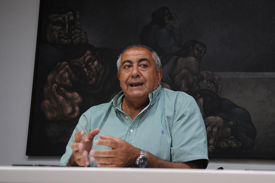 El Secretario General de la CGT, Héctor Daer, defendió el acuerdo realizado con la Unión Industrial Argentina para que los trabajadores sufran rebajas salariales del 25 por ciento debido a la suspensión de actividades por el coronavirus.