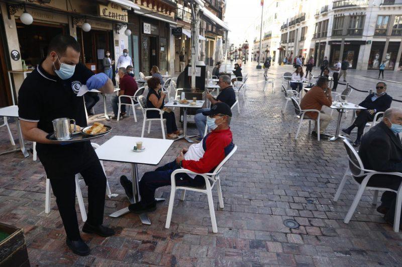 Se evidencia la dependencia económica de Andalucía con la absorción del 32% de las contrataciones en hostelería – La otra Andalucía