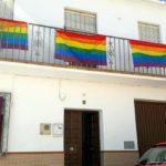 Estado Español. Villanueva de Algaidas se inunda de banderas LGTBI