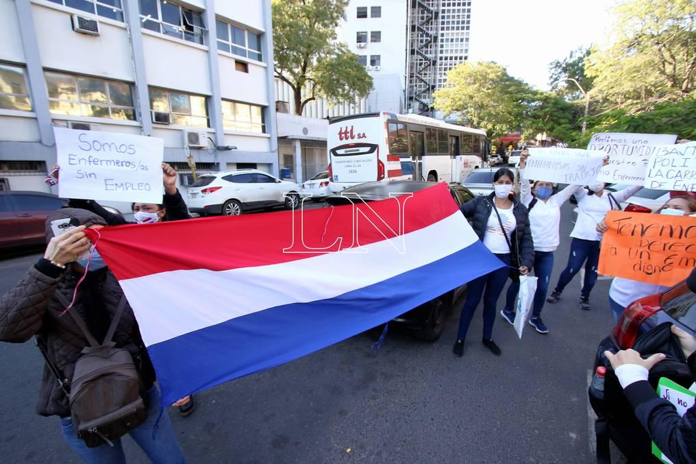 Ciudadanos de la Colonia Melgarejo se unirán a las protestas que están convocadas en la capital. Foto: Pánfilo Leguizamón.