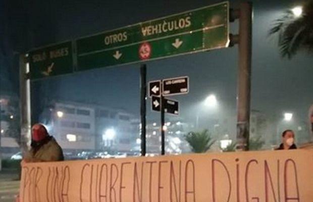 Chile. Al caer la noche, la protesta en regiones: Arica, Iquique, Antofagasta, La Serena, Valparaíso