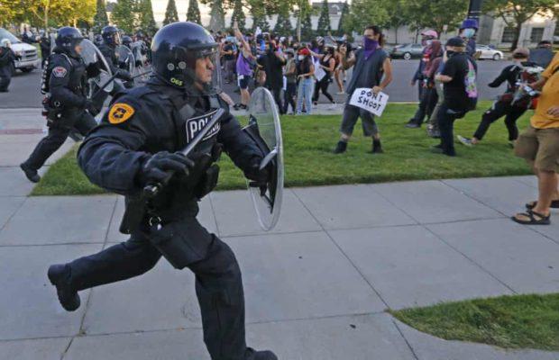 Estados Unidos. Petroleros ayudan a financiar grupos policiales en las principales ciudades