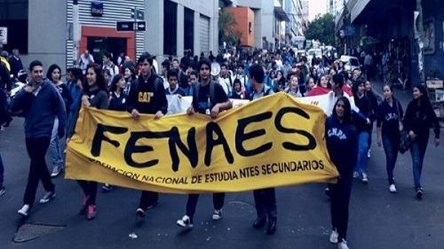 Paraguay. Estudiantes se declaran en movilización permanente