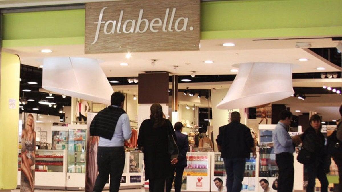 Empieza el ajuste en Falabella que avisa el cierre de 4 locales