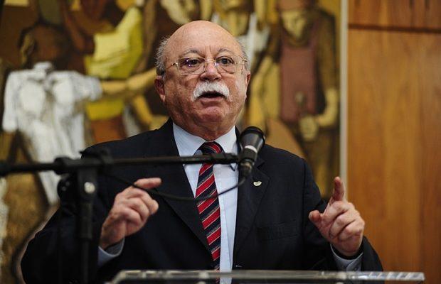 """Brasil. """"El país renunció a su dignidad"""", dice Roberto Amaral sobre desmantelamiento de ciencia"""