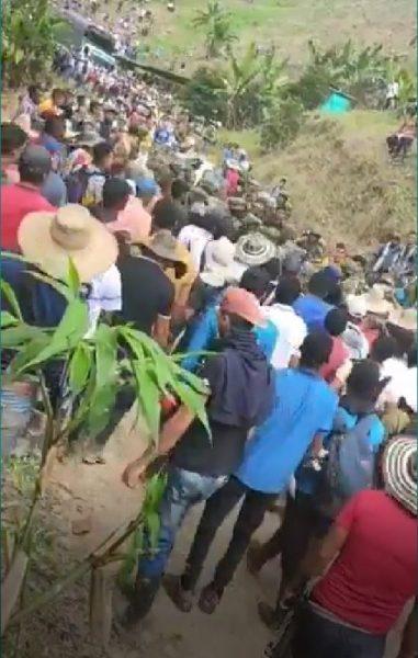 Colombia: Campesinos del Bajo Patia desalojan a más de 200 soldados del ejército (vídeo)