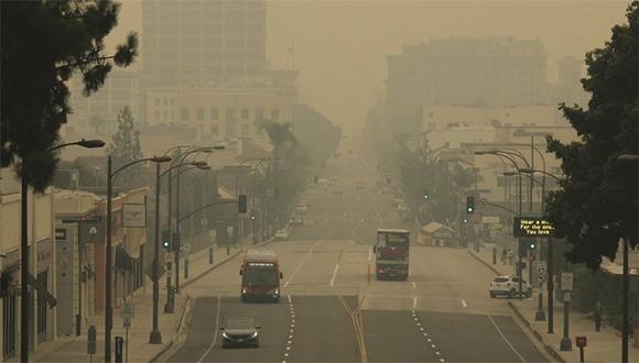 Calle aire contaminado Pasadena