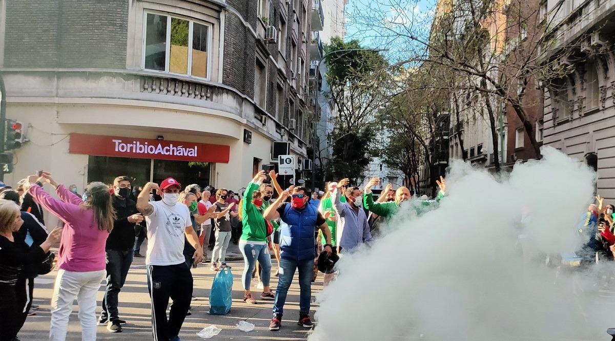 Luego de que Clarín publicara el domicilio, ATE Capital movilizó para defender a CFK