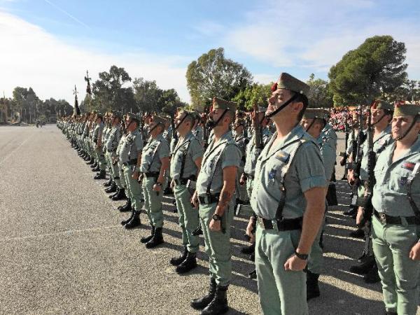 Legionarios en lugar de sanitarios. La Brigada 'Rey Alfonso XIII' de la Legión han comenzado este lunes a realizar en su base de Viator funciones de rastreo en la denominada misión 'Baluarte' sustituyendo así a los sanitarios que debía de contratar el Servicio Andaluz de Salud.