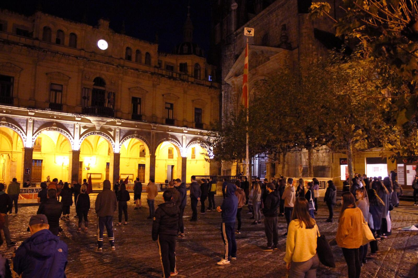 https://www.boltxe.eus/wp-content/uploads/2020/11/1604844186_888_Euskal-Herria-Una-multitud-juvenil-de-la-GKS-se-manifesto.jpg