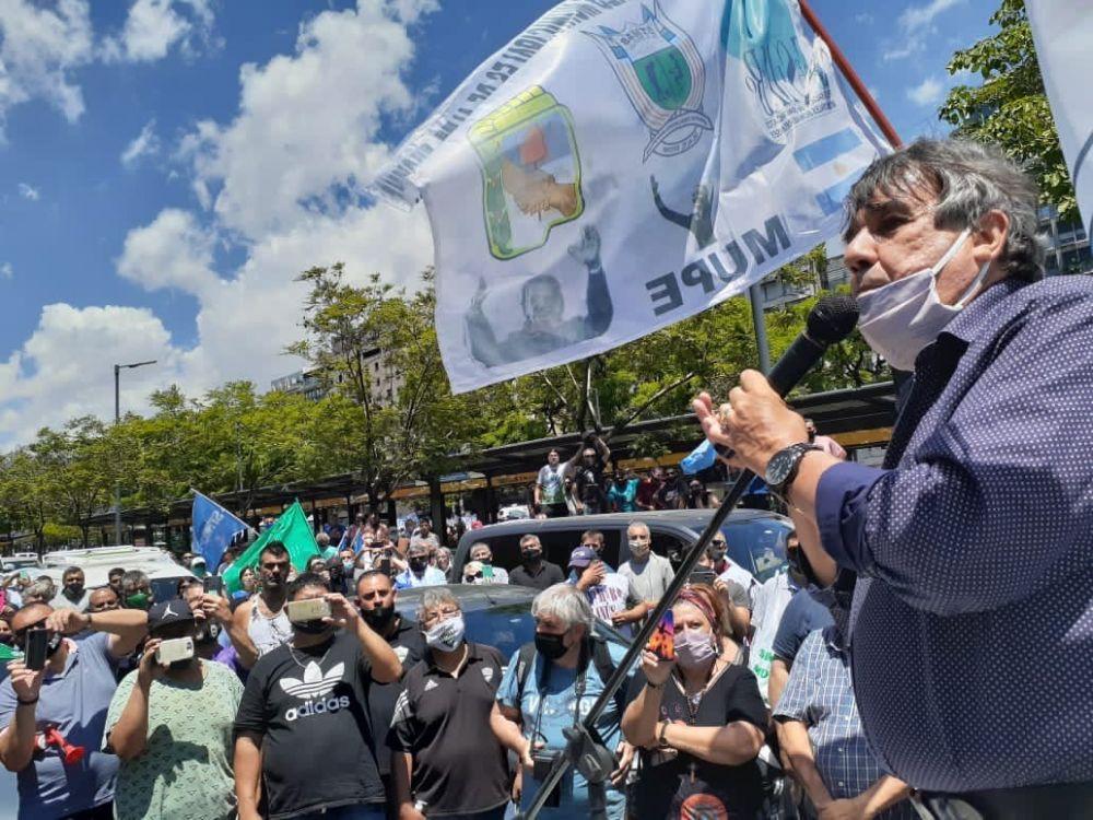 La Multitudinaria caravana de Municipales exige frenar la precarización laboral