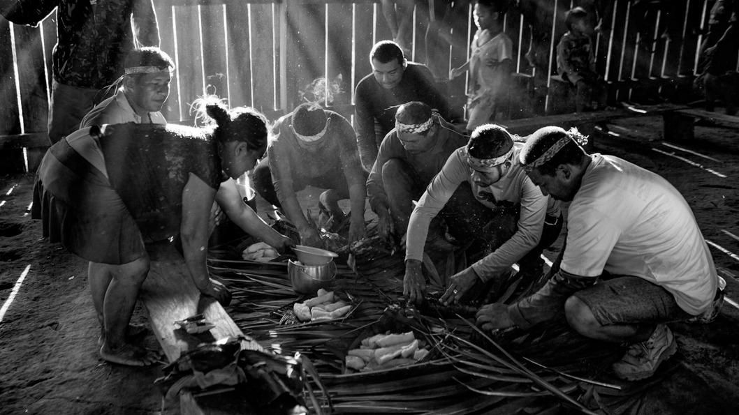 almoco-aldeia-massape-vale-do-javari-indígenas-evangelicos-amazonia
