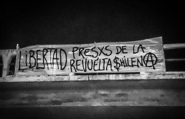 Uruguay. Militantes anarquistas reivindican con acciones de propaganda la libertad de los presxs de la Revuelta chilena