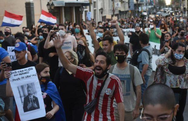 Paraguay. Fuerte repudio al gobierno de Abdó Benítez en las calles de Asunción