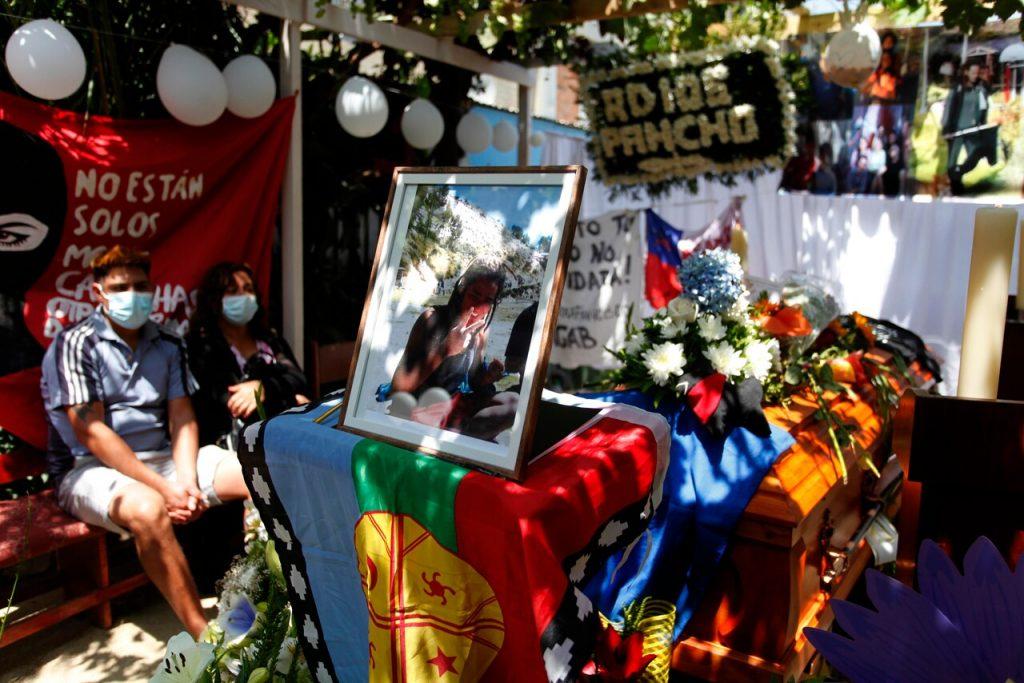 La despedida de Francisco en Puente Alto: Vecinos y familiares exigen justicia para joven baleado por Carabineros