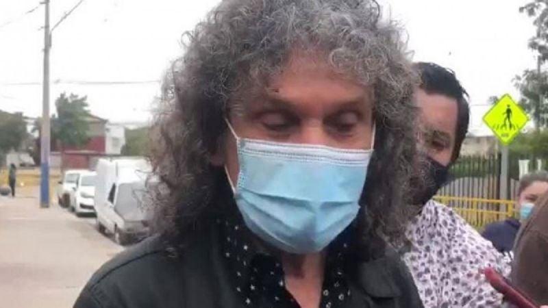 """Vocalista de Illapu llegó a despedir a malabarista muerto y criticó a """"una oposición tibia"""" ante """"una situación que ya es demasiado"""""""