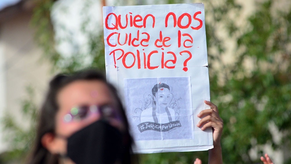 Según Correpi, desde 1992 a la fecha hubo 392 femicidios causados por efectivos policiales.