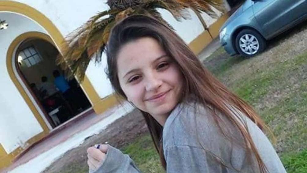 Úrsula Bahillo, de 18 años, había denunciado muchas veces a su agresor. Fue asesinada de 15 puñaladas.