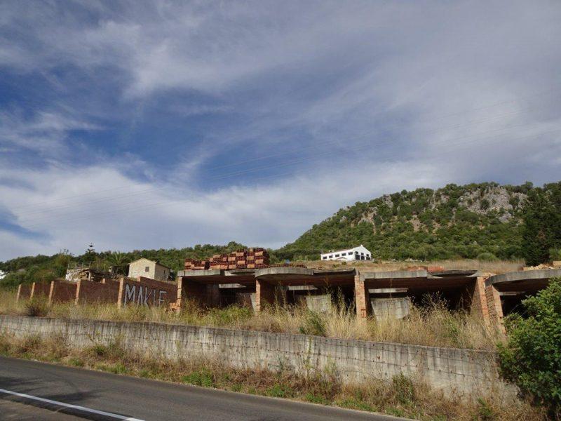 El Ayuntamiento de Ubrique y la Junta de Andalucía persisten en urbanizar terrenos del Parque Natural Sierra de Grazalema
