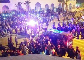 La población rifeña de Fnideq sale a la calle: cargas de la policía y varios detenidos (vídeos)