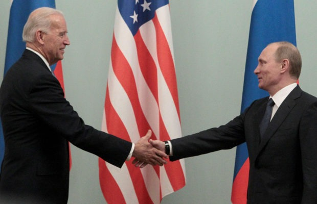 Estados Unidos. Slavoj Zizek: «Si la presidencia de Biden resulta mejor que la de Trump, no será por su alma»