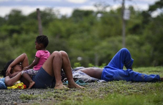 Migrantes. La peligrosa (y poco conocida) ruta entre Panamá y Colombia donde la cifra de niños que cruzan se multiplica por quince