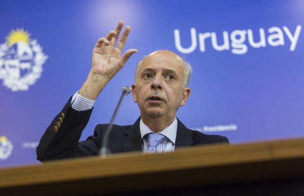 Uruguay. Jefe del Comando Sur de Estados Unidos se reúne con ministro de Defensa y autoridades militares / Repudio de la Coordinadora por la autodeterminación del Pueblo Haitiano