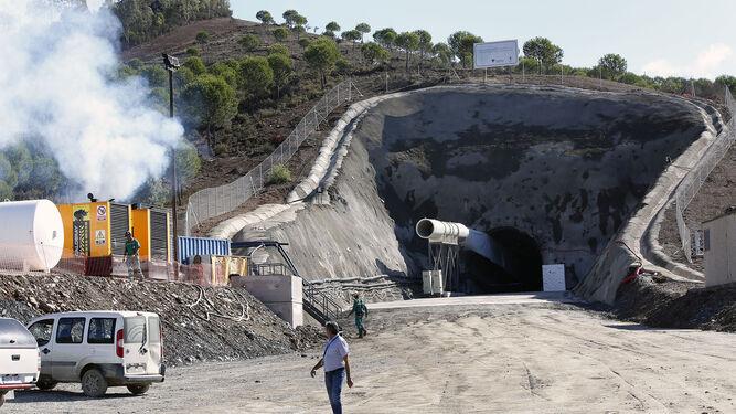 Terrorismo patronal: Muere un trabajador atropellado en una mina de Almonaster la Real
