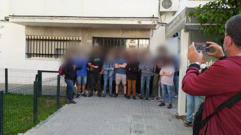 Sevilla: Paralizado el desahucio de una familia con menores, y con una madre embarazada en Su Eminencia