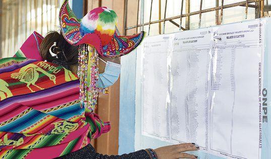 El dato. Los recursos de nulidad de mesas de sufragio de Fuerza Popular apuntan a anular el derecho al voto de miles de ciudadanos de las zonas rurales de la sierra peruana. Foto: AFP