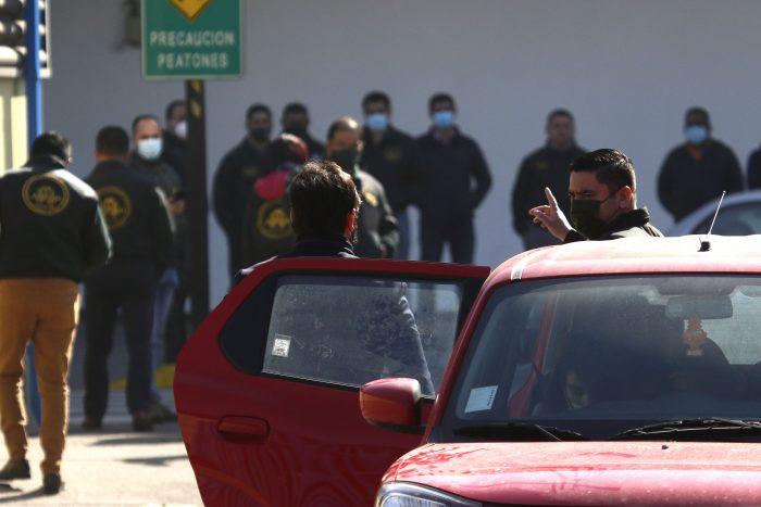 Gabriel Boric fue increpado por familiares y amigos de detenidos del estallido social en su visita a la cárcel Santiago 1
