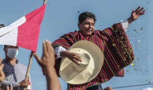 """Perú:  Pedro Castillo proclamado oficialmente nuevo presidente / """"Acá hay un segundo grito de independencia"""""""