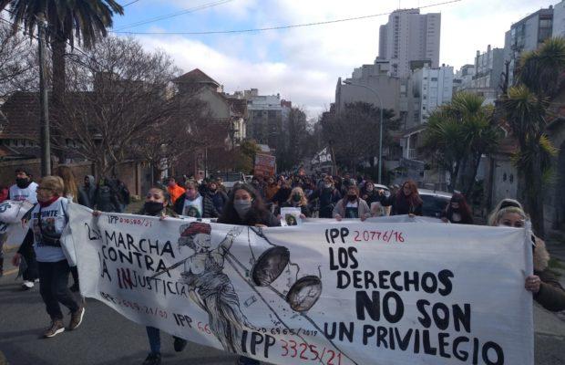 Argentina. Familiares de víctimas de abuso y femicidios marcharon por la reactivación de las causas en Mar del Plata