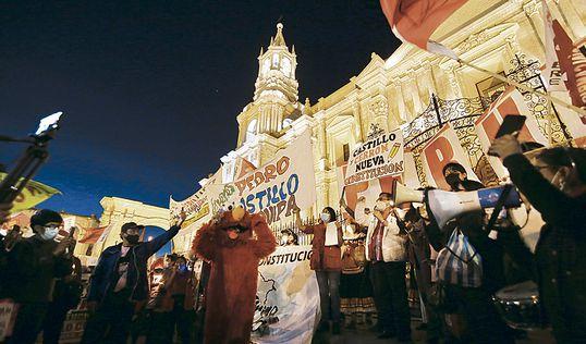 Arequipa Manifestación Voto de Confianza