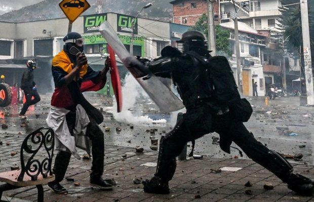 Colombia. Represión policial deja manifestantes heridos y detenidos